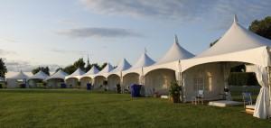 Wij verhuren compleet ingerichte tenten op elke locatie in Nederland.